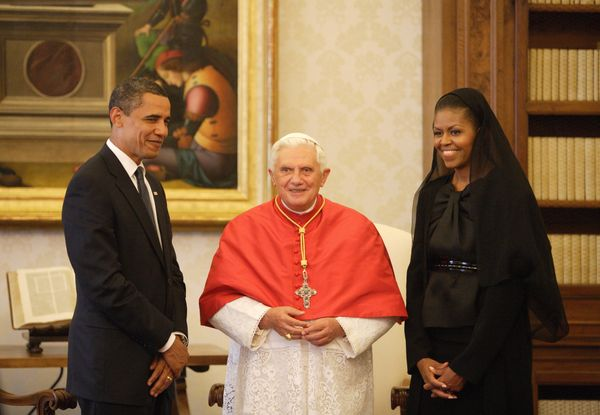 """<a href=""""http://www.huffingtonpost.com/topic/michelle-obama"""">Michelle Obama</a>'s first papal meeting occurred with Pope Bene"""