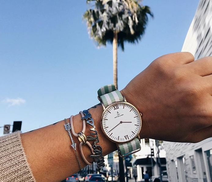 Kapten & Son benefits from user-generated content on Instagram to showcase their products.