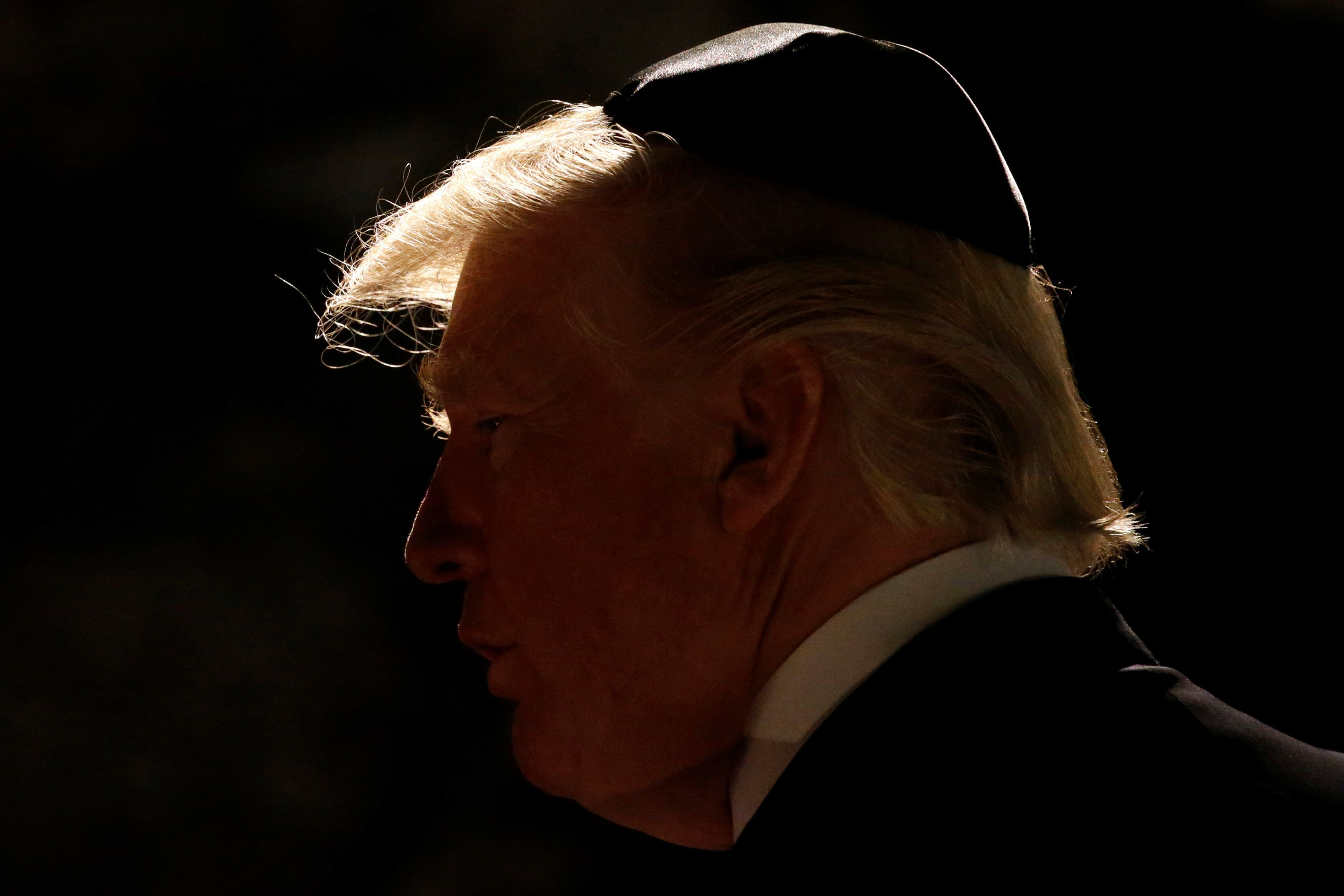 U.S. President Donald Trump arrives to participate in a wreath-laying at the Yad Vashem holocaust memorial in Jerusalem May 23, 2017.  REUTERS/Jonathan Ernst     TPX IMAGES OF THE DAY