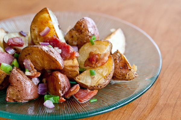 """<strong>Get the <a href=""""http://www.steamykitchen.com/18741-warm-bacon-potato-salad-recipe.html"""" target=""""_blank"""">Warm Bacon P"""