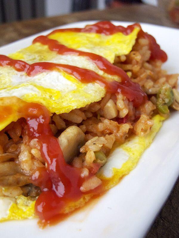 """<a rel=""""nofollow"""" href=""""http://www.pickledplum.com/omurice-japanese-omelet-recipe/"""" target=""""_blank"""">Omurice (Japanese Omelett"""