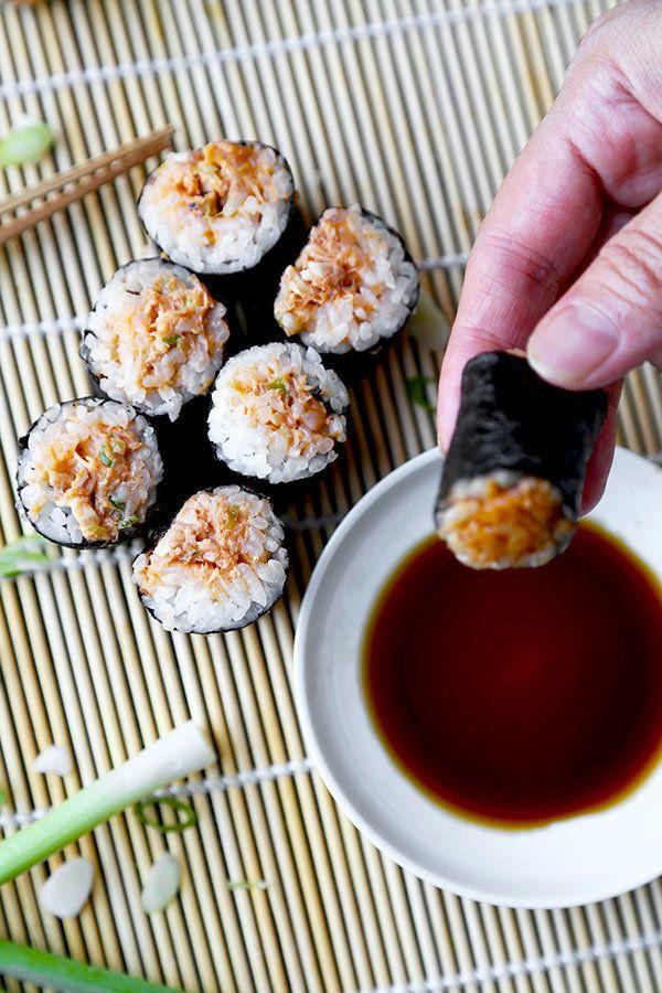 "<a rel=""nofollow"" href=""http://www.pickledplum.com/spicy-tuna-roll-recipe/"" target=""_blank"">Spicy Tuna Roll</a>"