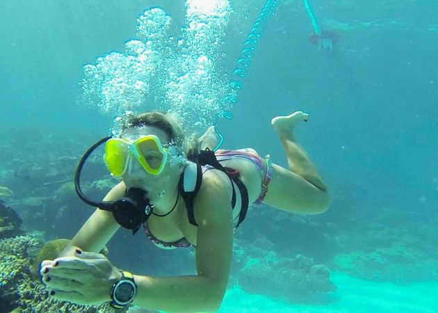 AirBuddy: This Amazing Floating Gadget Lets You Dive Without Scuba