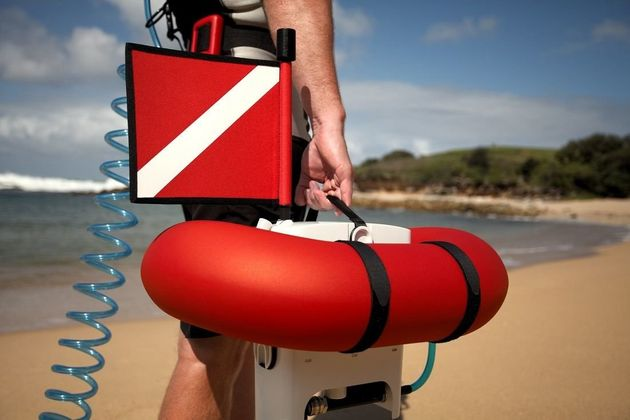 Airbuddy this amazing floating gadget lets you dive without scuba gear - Floating dive compressor ...