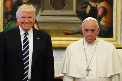 A broadly smiling Donald Trump with a not quite as happy Pope Francis.