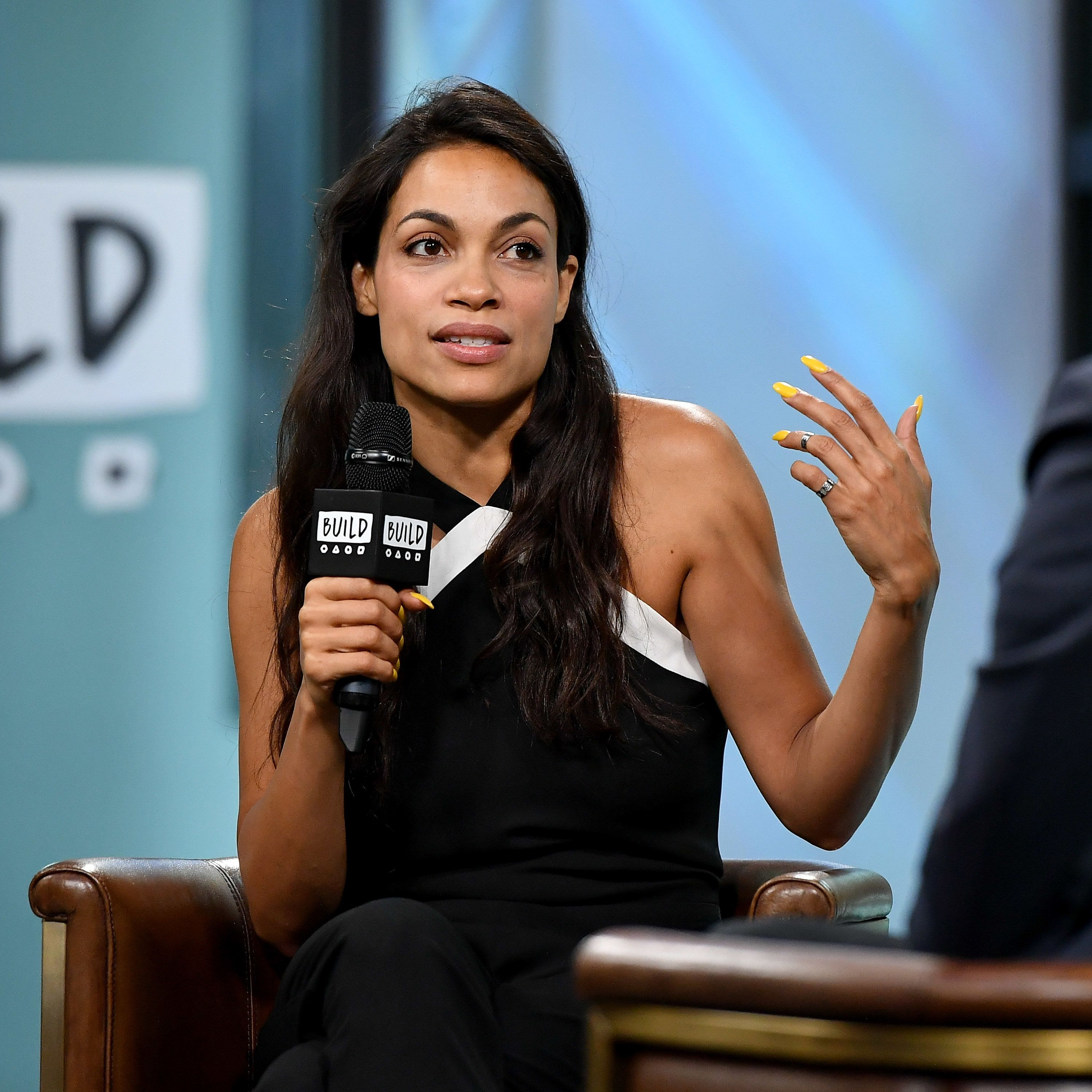 NEW YORK, NY - MAY 24:  Rosario Dawson visits the Build Series to discuss her work with the Lower Eastside Girls Club at Build Studio on May 24, 2017 in New York City.  (Photo by Dia Dipasupil/Getty Images)