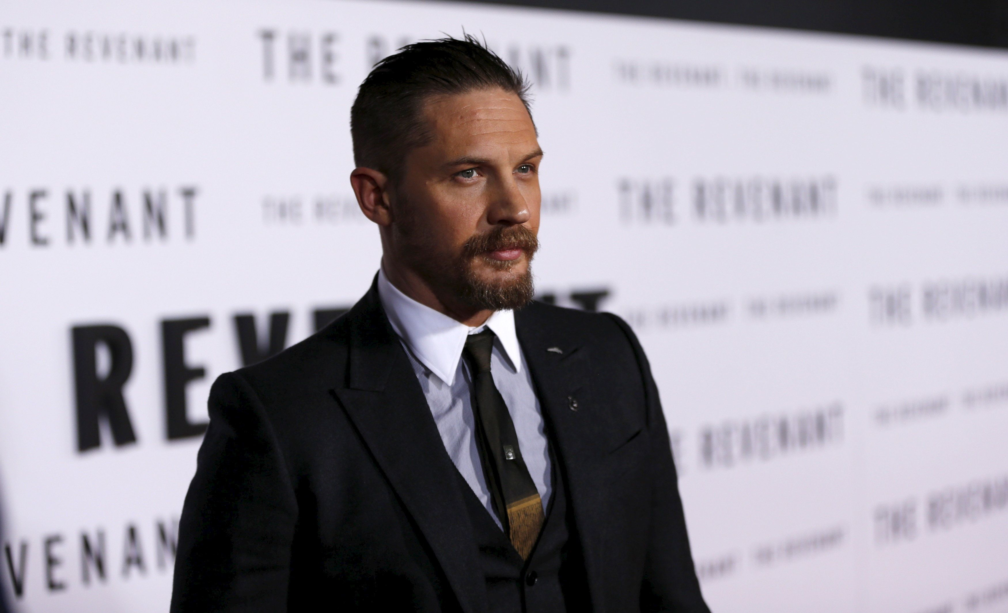 "Cast member Tom Hardy poses at the premiere of ""The Revenant"" in Hollywood, California December 16, 2015. The movie opens in the U.S. on January 8.  REUTERS/Mario Anzuoni"
