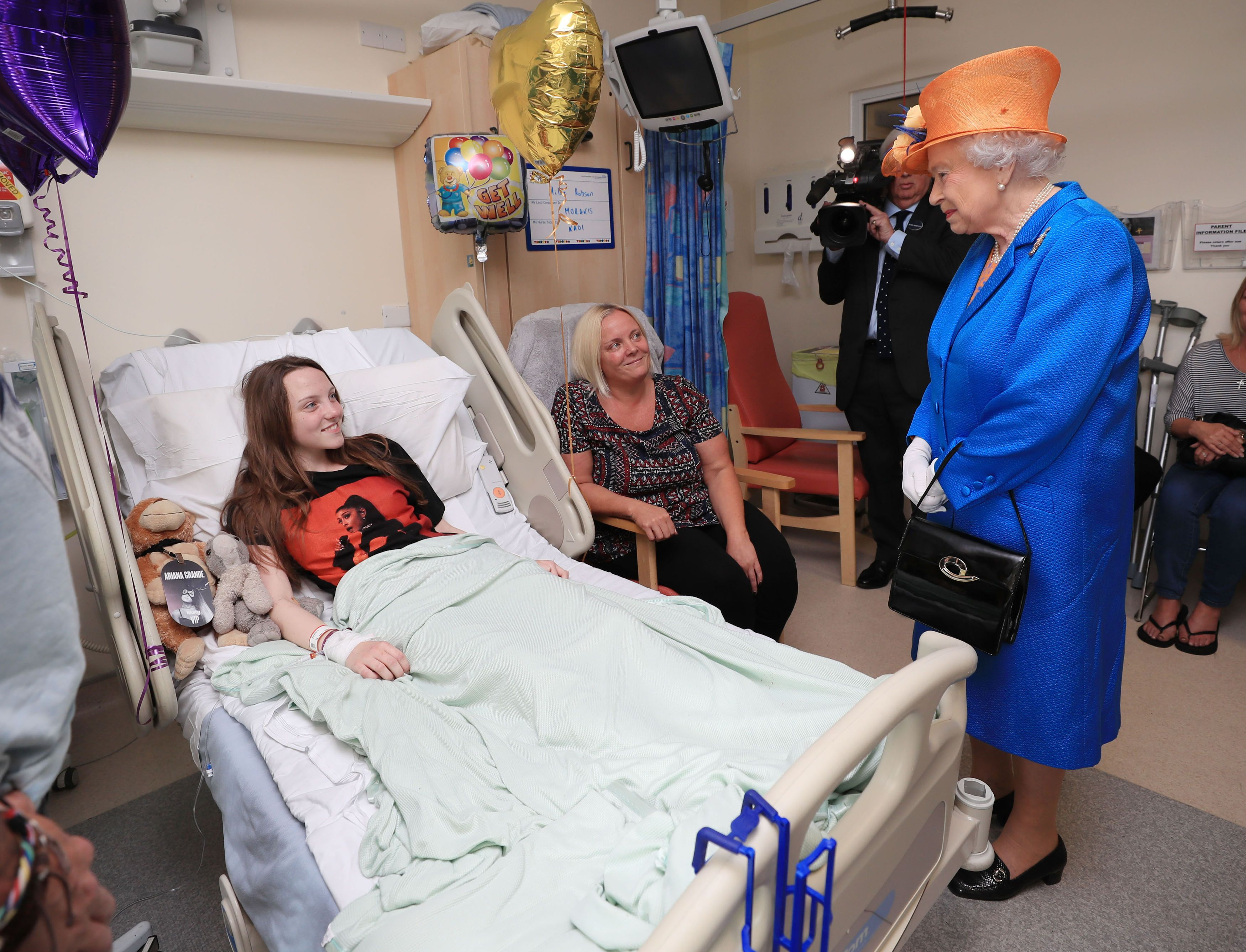 The Queen Visits Manchester Bombing Victims At Children's