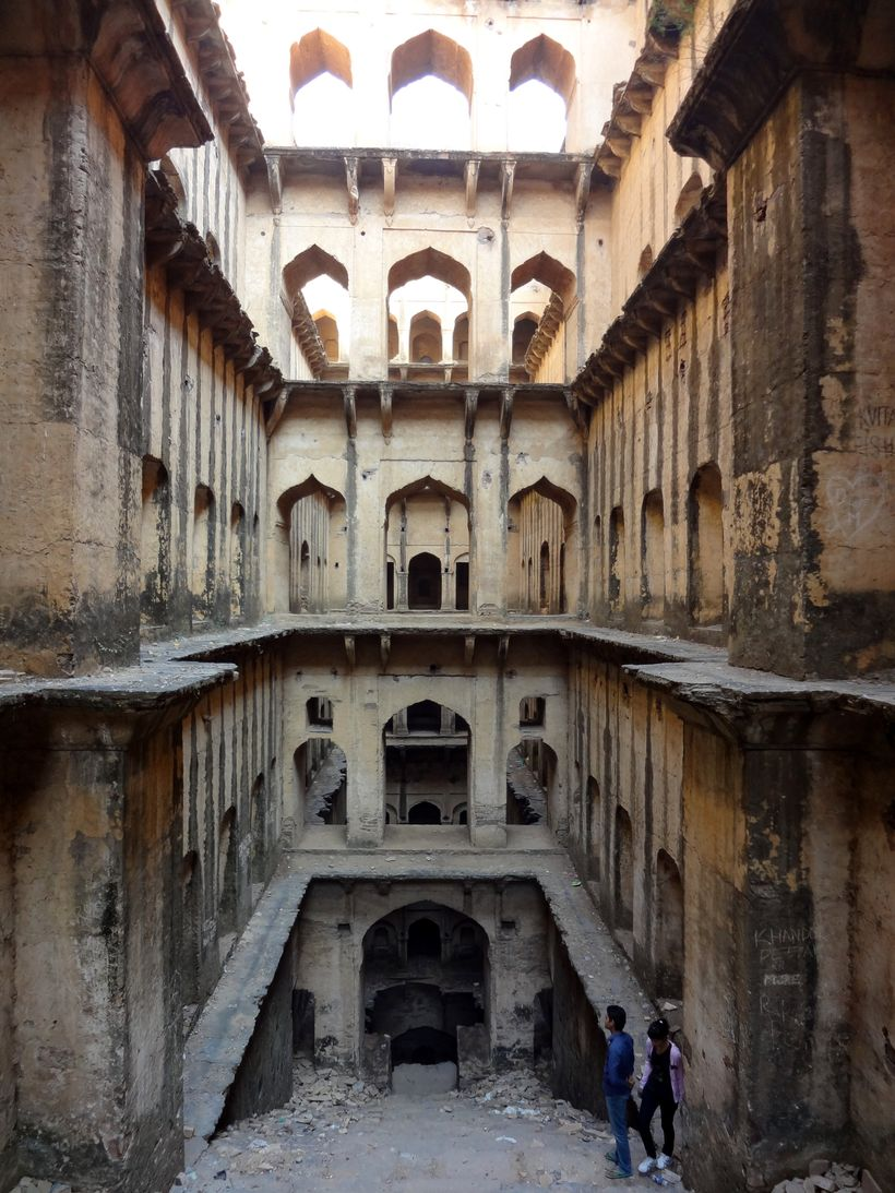 Neemrana Baori, Neemrana, Rajasthan, c. 1570