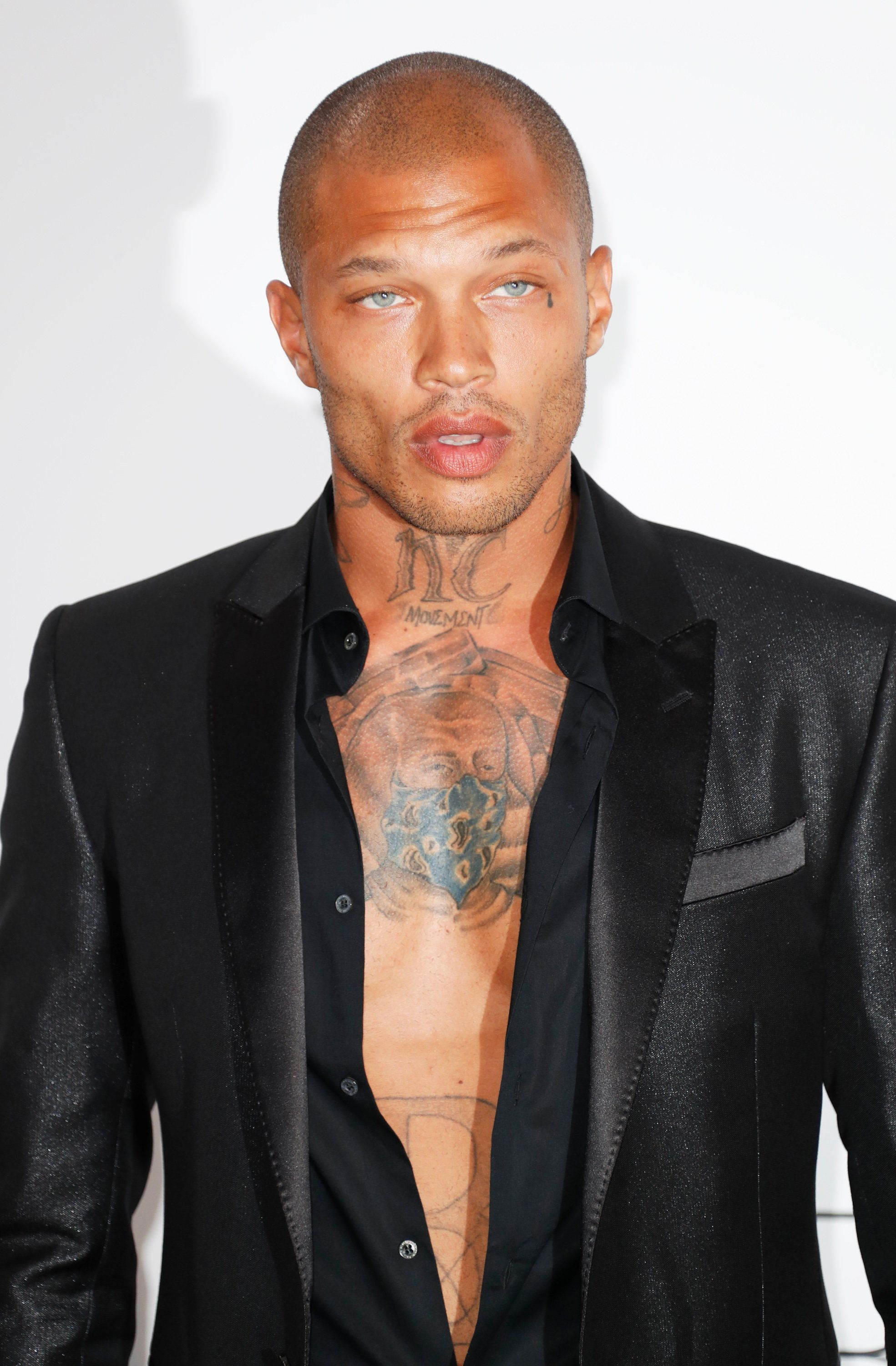 CAP D'ANTIBES, FRANCE - MAY 25:  Jeremy Meeks arrives at the amfAR Gala Cannes 2017 at Hotel du Cap-Eden-Roc on May 25, 2017 in Cap d'Antibes, France.  (Photo by David M Benett/Dave Benett/Getty Images)
