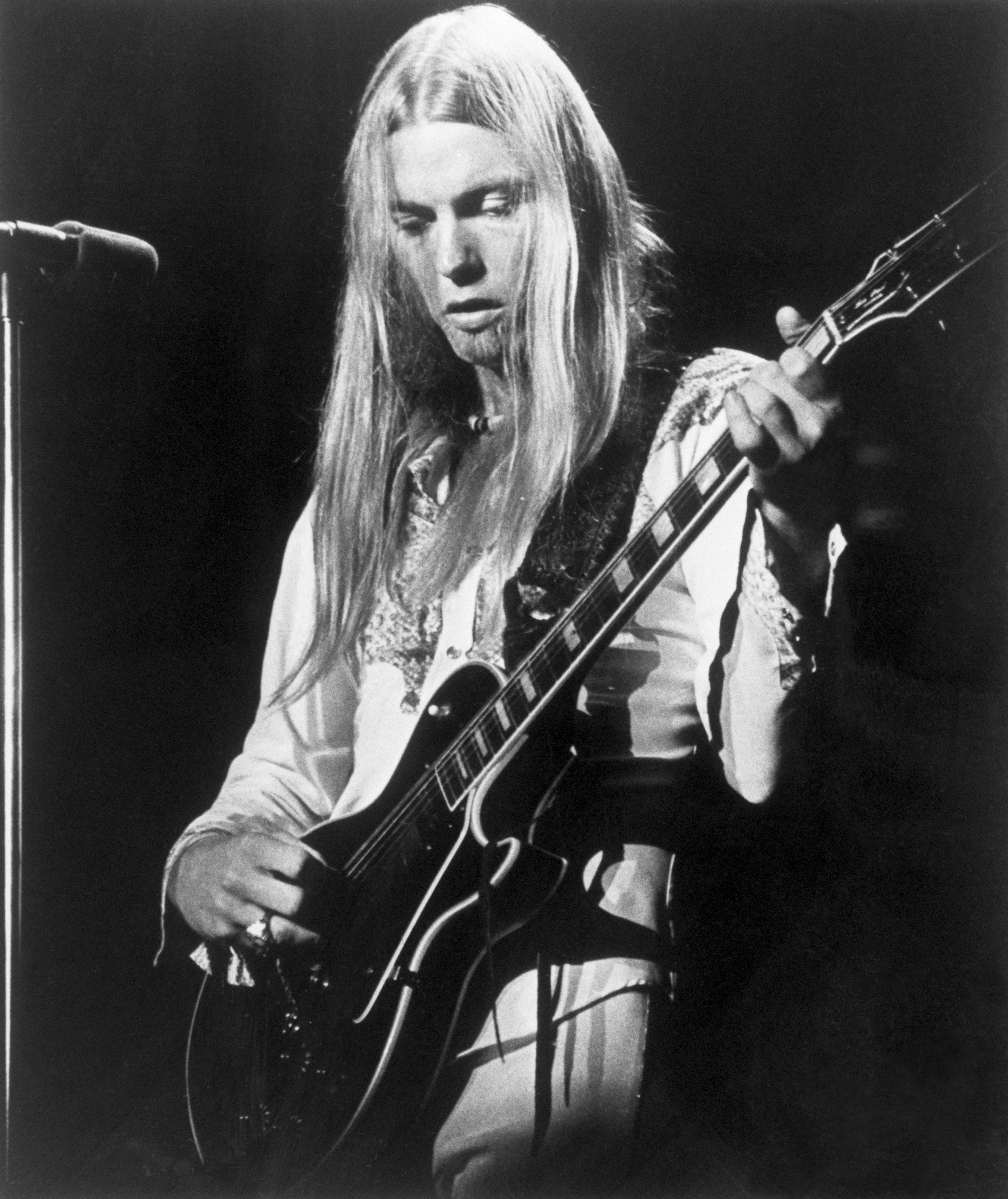 Rock star Gregg Allman, closeup of his performing. August 14, 1975.