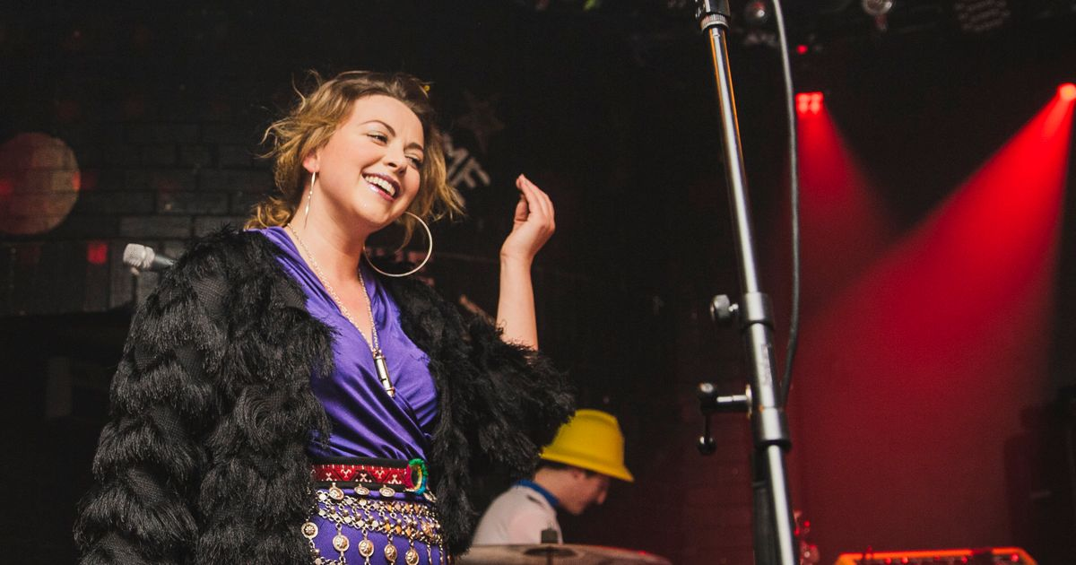 Charlotte Church Pregnant Welsh Singer Announces Happy News Live On Stage  Huffpost Uk-5531