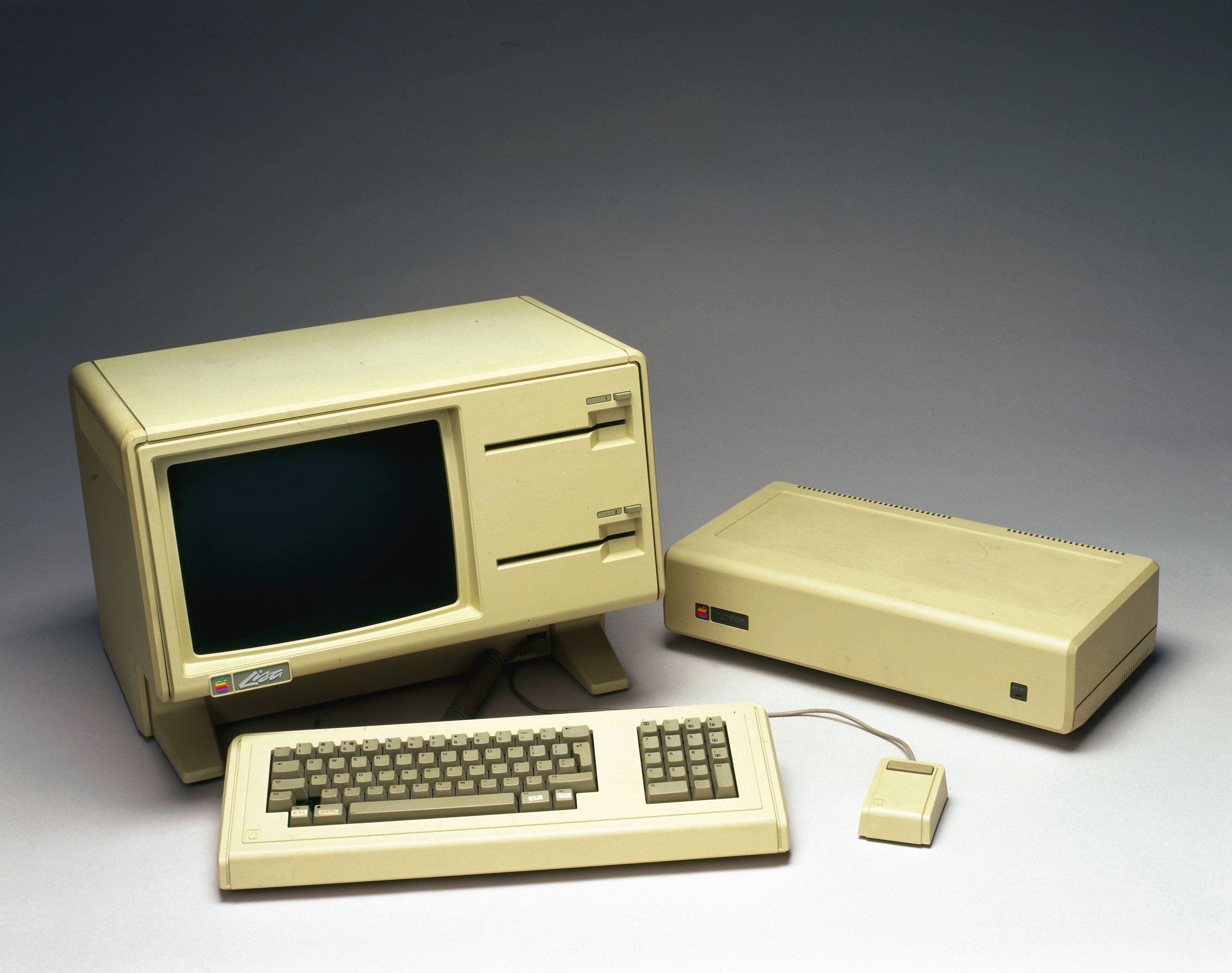 Tech Hunters: Time Travelling Back To Apple's Early