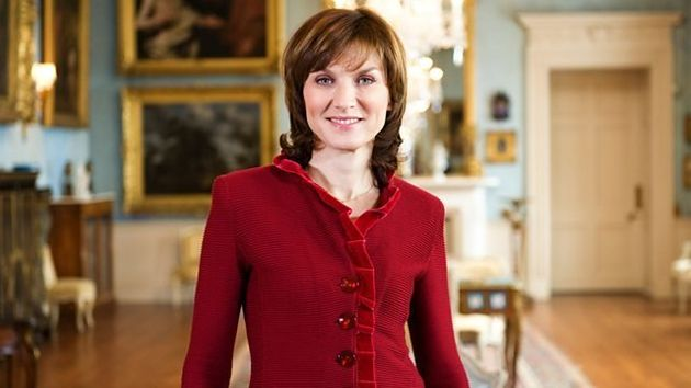 Fiona Bruce's short hair would get SMith's seal of
