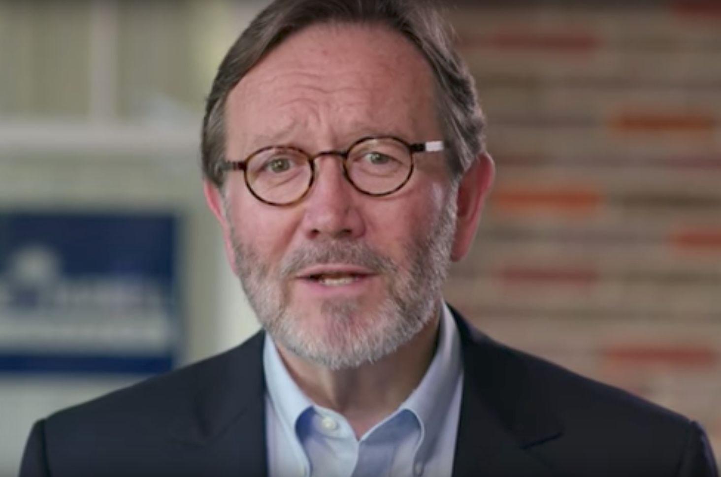 South Carolina Democrat Archie Parnell commissioned a poll showing him catching up but still10 percentage points behind