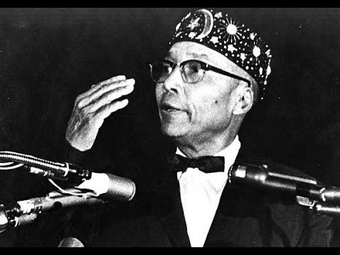 The Most Honorable Elijah Muhammad early (pic)