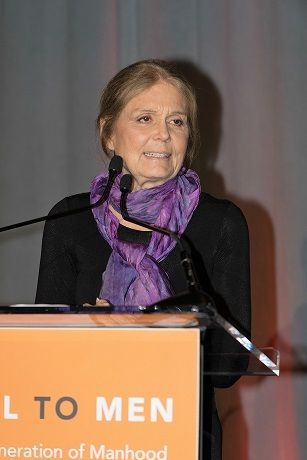 <em>Gloria Steinem accepting Envisionary  Award</em>