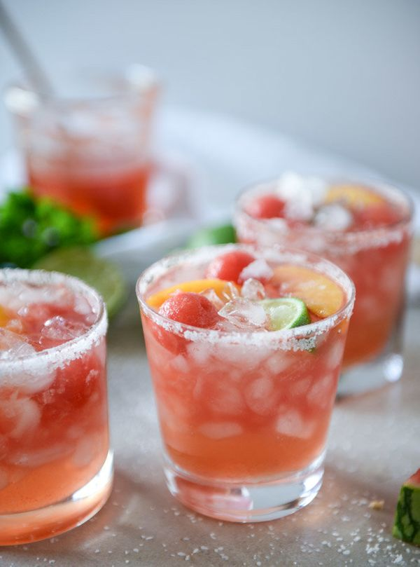 """<strong>Get the <a href=""""http://www.howsweeteats.com/2016/08/watermelon-rose-margaritas/"""" target=""""_blank"""">Watermelon Ros&eacu"""