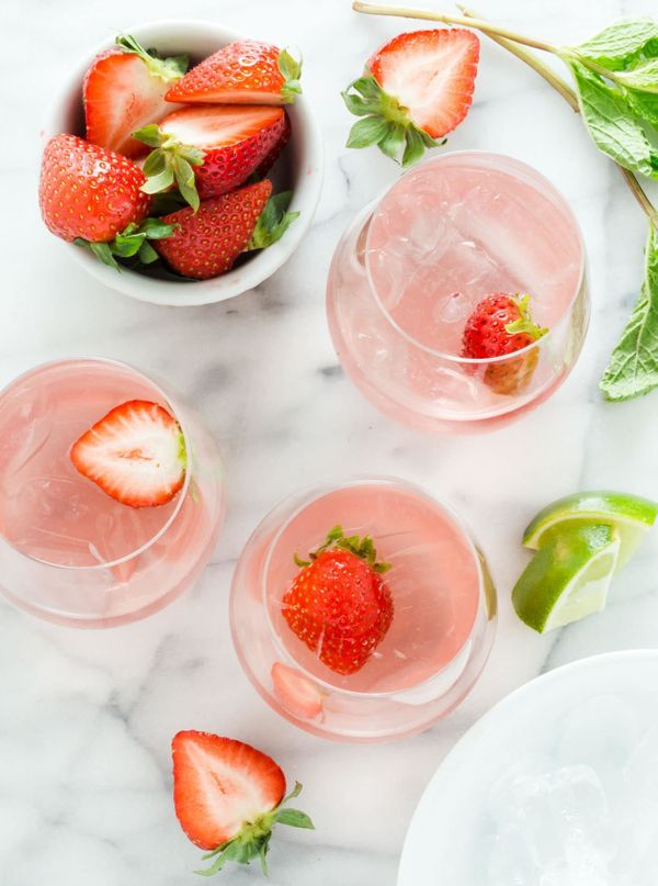 """<strong>Get the <a href=""""https://www.garnishwithlemon.com/bubbly-strawberry-mojitos/"""" target=""""_blank"""">Bubbly Strawberry Ros&e"""