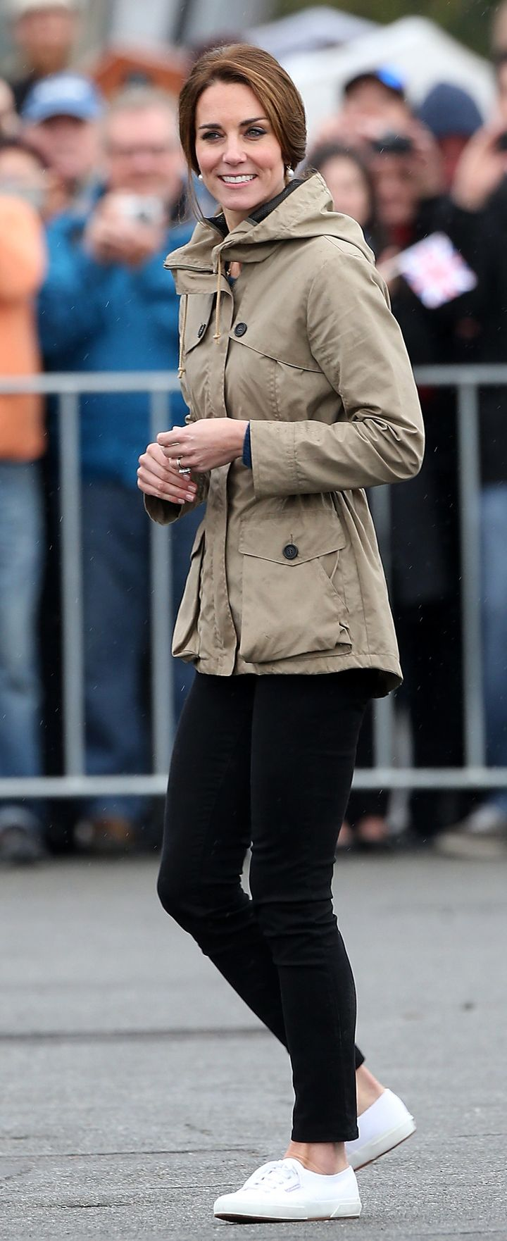 Kate disembarks from a ship in Canada'sVictoria Harbour during a royal tour in October 2016.