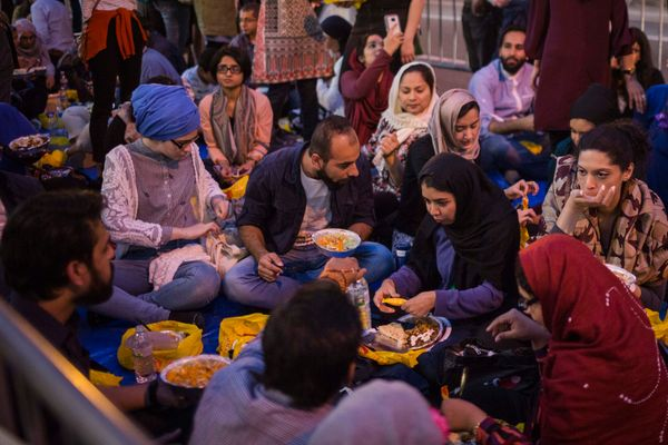 """Partaking in a delicious iftar in the street in front of Trump Tower. Up yours, POTUS,"" <a href=""https://www.instagram.com/p"