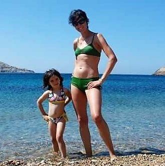beach body mom
