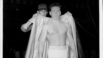 Gerard Soules gets ready for this act. May 15, 1960. (Photo by Louis Liotta / (c) NYP Holdings, Inc. via Getty Images)