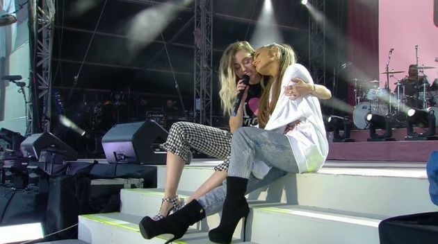 Miley Cyrus joined her for a rendition of 'Don't Dream It's