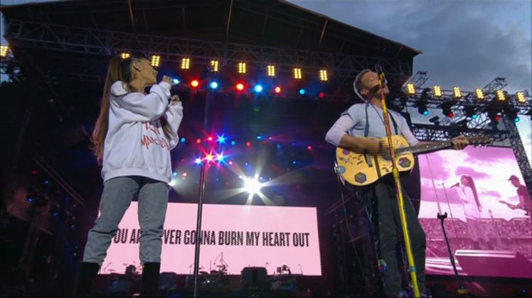 Coldplay's Rendition Of 'Don't Look Back In Anger' At One Love Manchester Was A Truly Spine-Tingling