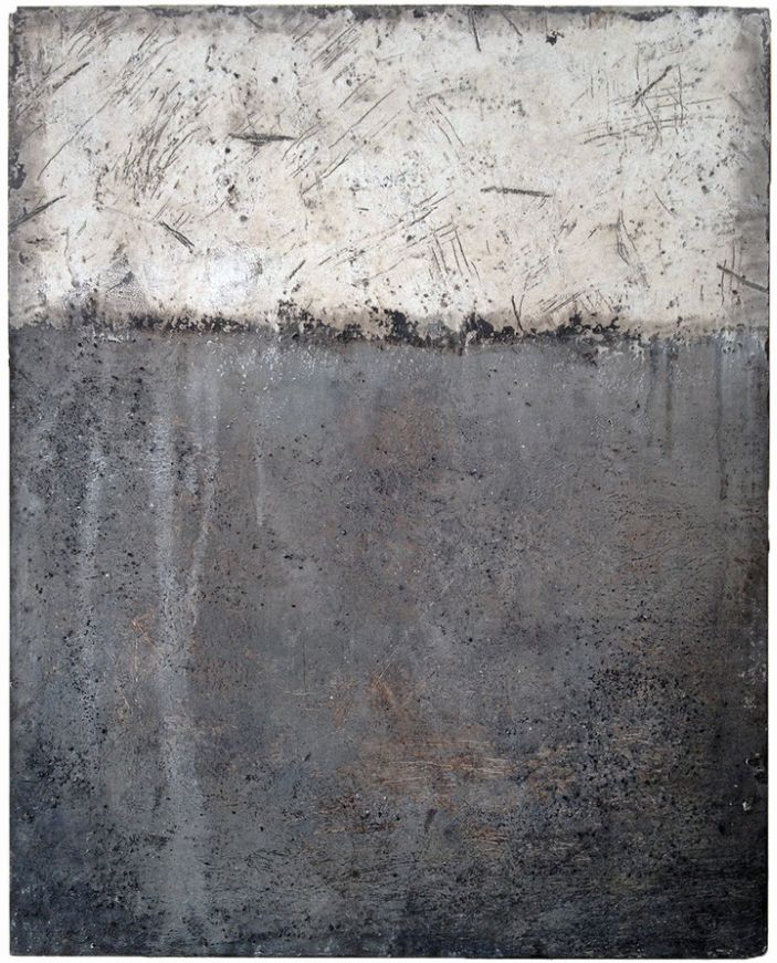 <em>MacArthur Station</em><strong>, </strong>2015<strong>, </strong>oil, cold wax and dirt on panel, 20 x 16 inches