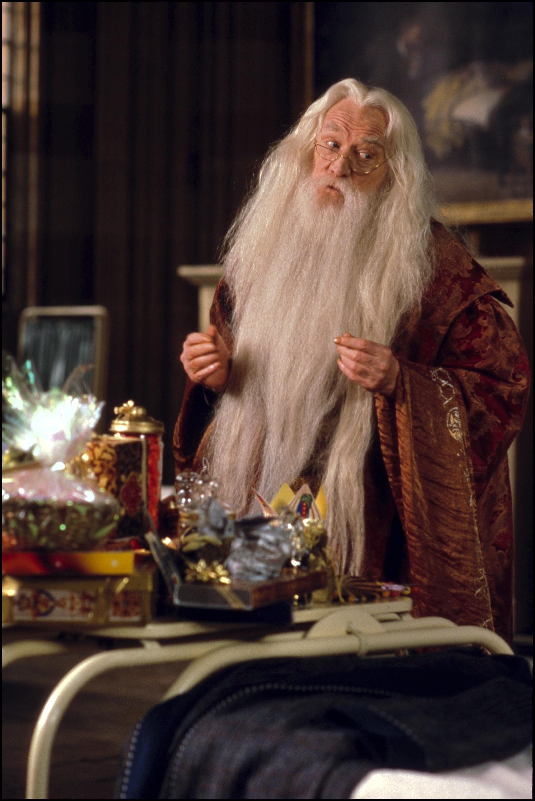 UNITED STATES - NOVEMBER 01:  Film 'Harry Potter and the philosopher's stone' In United States In November, 2001-Professor Dumbledore (Richard Harris).  (Photo by 7831/Gamma-Rapho via Getty Images)
