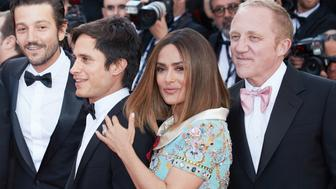 CANNES, FRANCE - MAY 23: Diego Luna, Gael Garcia Bernal, Salma Hayek and Francois-Henri Pinault attend the 70th Anniversary of the 70th annual Cannes Film Festival at Palais des Festivals on May 23, 2017 in Cannes, France. (Photo by Oleg Nikishin/Epsilon/Getty Images)