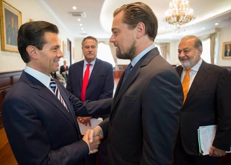 Mexican PresidentEnrique Peña Nieto, actor Leonardo DiCaprio and billionaire Carlos Slim, right, meet before a&n