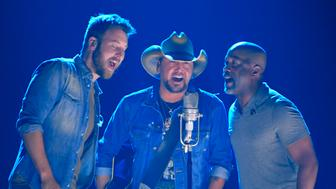 "2017 CMT Music Awards  – Show - Nashville, Tennessee, U.S., 07/06/2017 – Charles Kelley (L), Jason Aldean (C) and Darius Rucker perform ""Midnight Rider"" in a tribute to the late Gregg Allman. REUTERS/Harrison Mcclary"