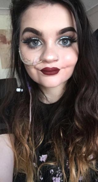 Move Over Zoella: This Woman's Feeding Tube Beauty Looks Are Set To Make Her The Next Big
