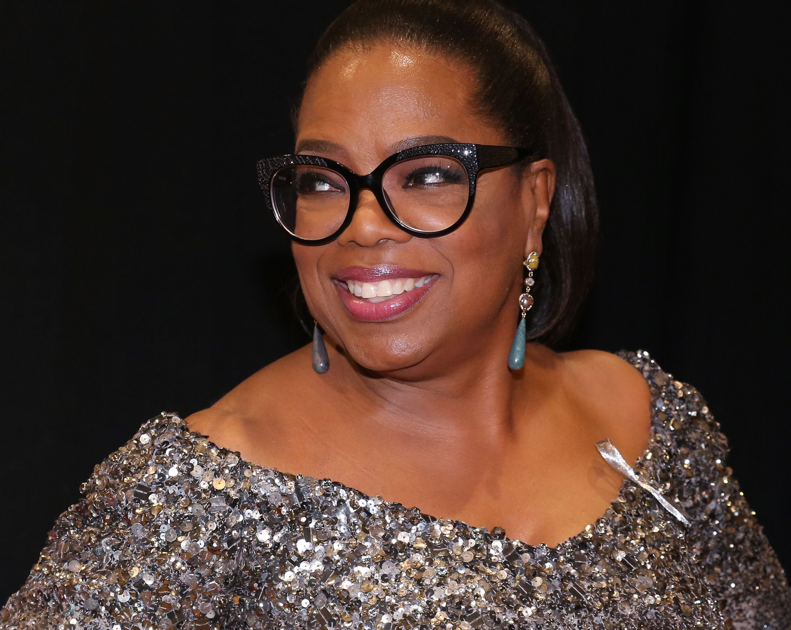 NEW YORK, NY - JUNE 12:  Oprah Winfrey in the press room for the 70th Annual Tony Awards at the Beacon Theater on June 12, 2016 in New York City.  (Photo by Walter McBride/WireImage)