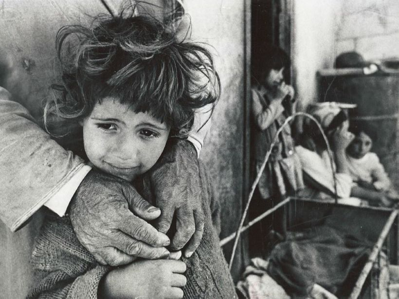 Palestinian girl forced out of her home in Kafr Jammal, 1967.