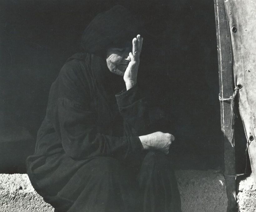 Elderly Palestinian woman displaced to Syria, 1968.