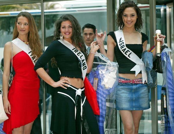 With Miss Italy Laia Manetti and Miss Ireland Cathriona Duignam ahead of the Miss Universe pageant.