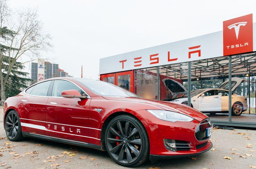 NOVEMBER 29: New Tesla Model S showroom
