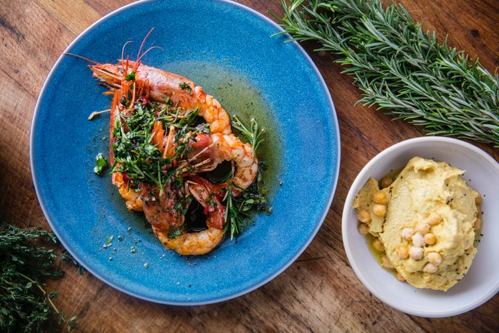 <p>Perfectly grilled prawns: gamberoni</p>