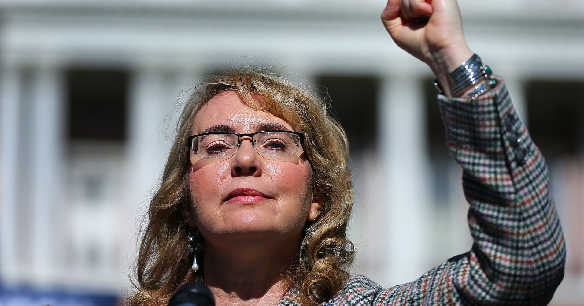 http://www.huffingtonpost.com/entry/gabrielle-giffords-navy-ship_us_593c2c38e4b024026879e6f0