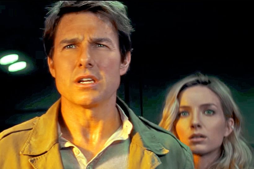 "Tom Cruise and Annabelle Wallis in ""The Mummy"""
