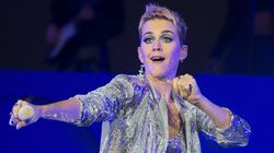 After Fueling Their Feud For Weeks, Katy Perry Apologises To Taylor