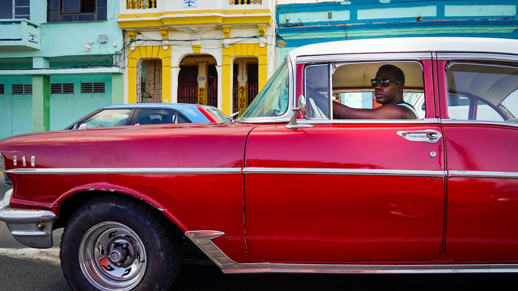 11 Tips on How to Take Street Photos Like a Pro on Your Next Trip Abroad: A Journey through Cuba