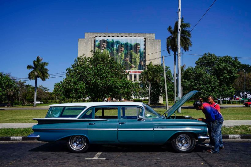 Classic cars are constantly breaking down in Cuba, this kind of scene just goes with the day-to-day lifestyle.