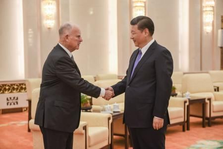Governor Jerry Brown of California meets with Xi Jinping.