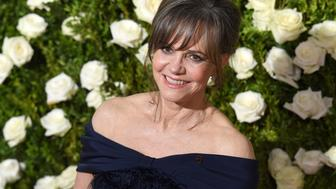 Sally Field attend the 2017 Tony Awards - Red Carpet at Radio City Music Hall on June 11, 2017 in New York City.  / AFP PHOTO / ANGELA WEISS        (Photo credit should read ANGELA WEISS/AFP/Getty Images)