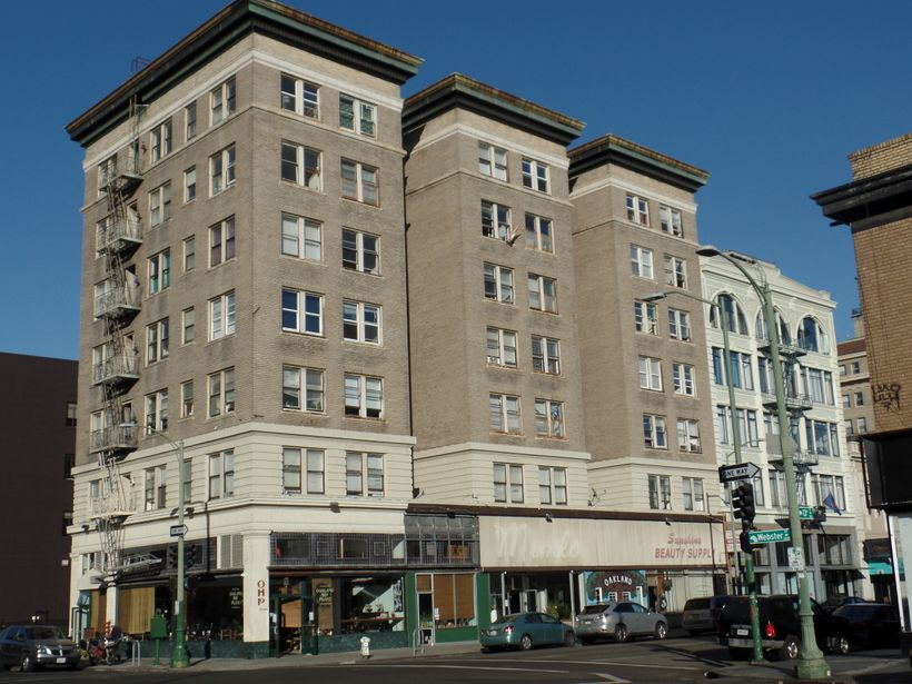 HDTI graduate Zohreh Khodabandelu is working on the renovation of Empyrean Towers, financed by LISC, in downtown Oakland, CA