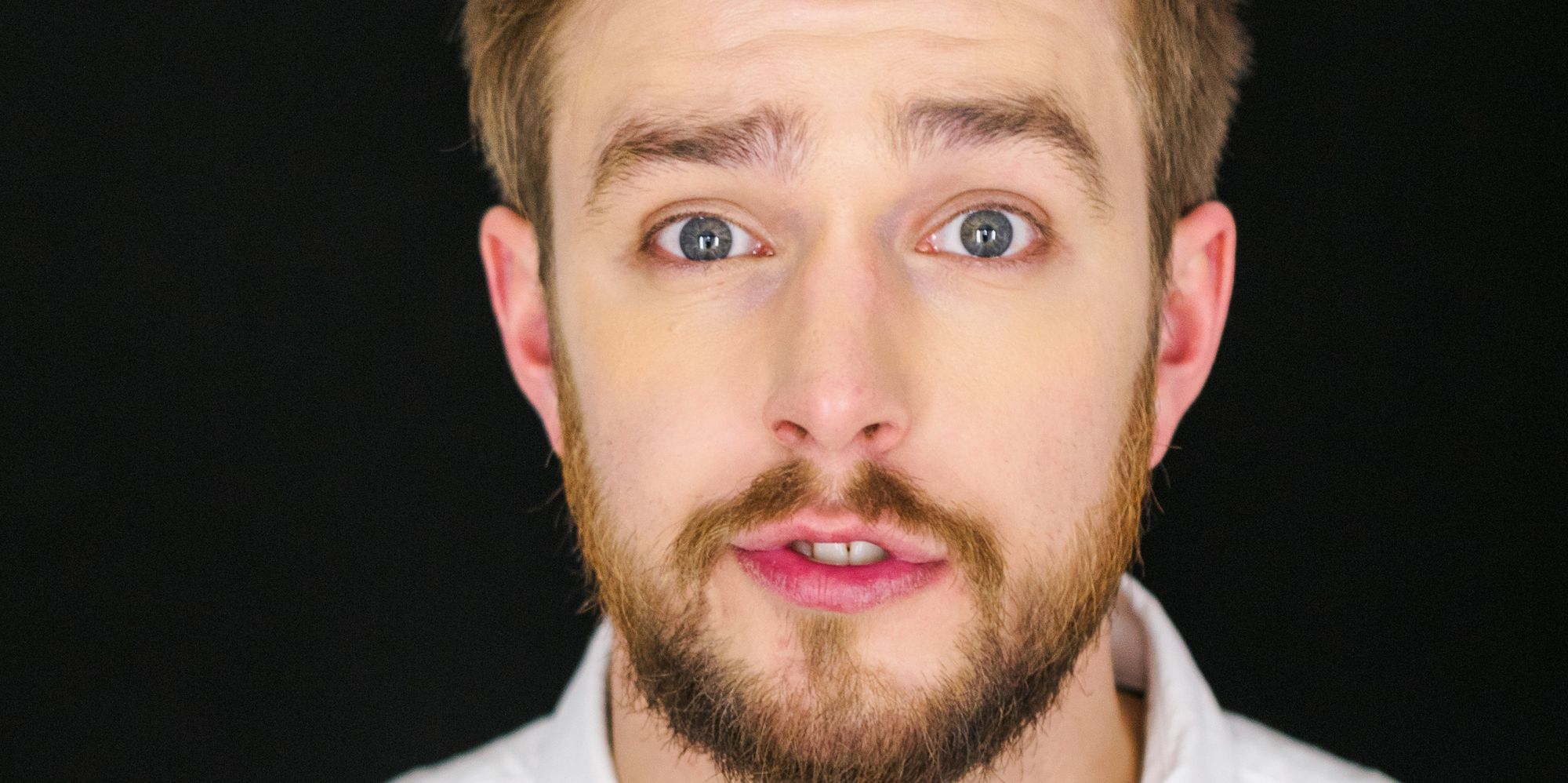 'love Island' Voiceover Guy Iain Stirling Talks Dark Horse Contestants,  'sitcom' Sex Scenes And Reality Tv Rivalries  Huffpost Uk